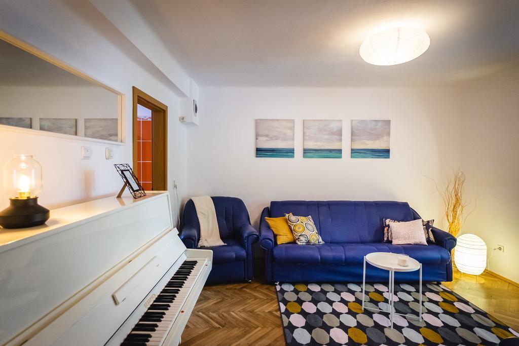 Piano apartment - 10 minutes to city center Timișoara